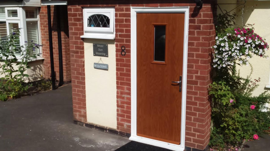 1 Square in Oak Composite Door